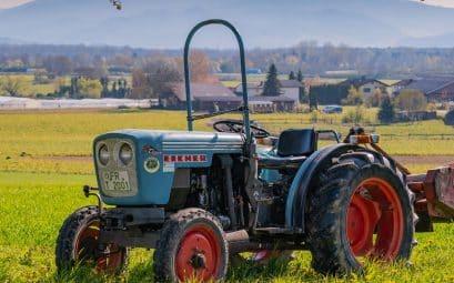 Pourquoi privilégier la location d'un tracteur agricole?